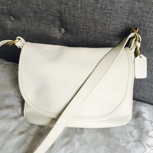 Vintage COACH SOHO FLETCHER Ivory Cream CrossBody